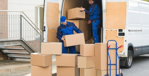 removals_shutterstock_366405452_box_truck_mover_move_delivery_relocation_van_transport_house_service
